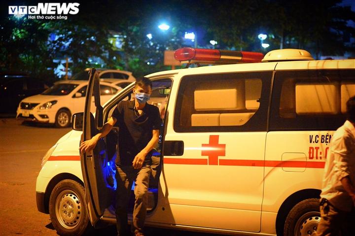 Bé gái 12 tuổi rơi từ tầng 12 chung cư ở Hà Nội chết thương tâm - 6