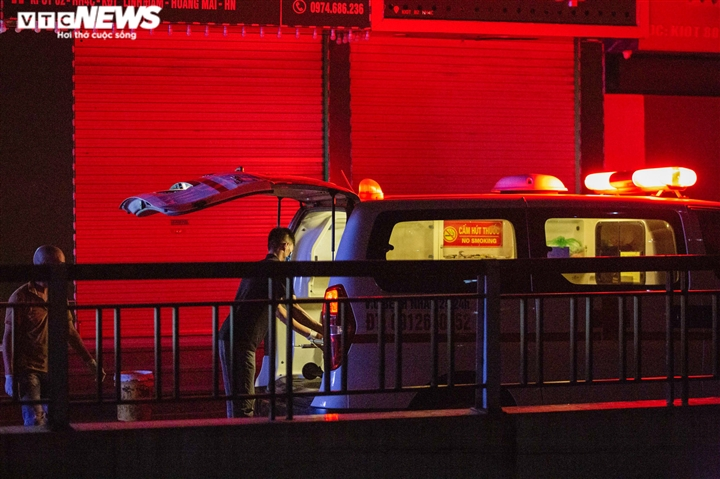 Bé gái 12 tuổi rơi từ tầng 12 chung cư ở Hà Nội chết thương tâm - 8