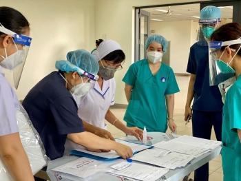 Hỗ trợ tiền ăn cho lực lượng y tế chống dịch tại 19 tỉnh, thành phố phía Nam
