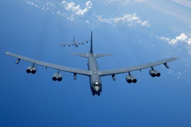 """Mỹ điều """"pháo đài bay"""" B-52 tới Afghanistan tấn công Taliban ảnh 1"""