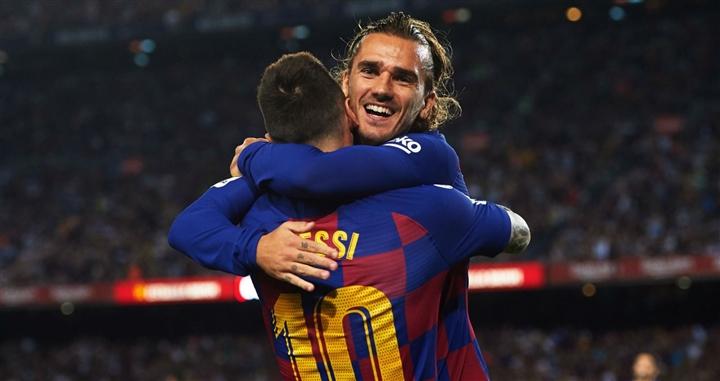Trực tiếp: Messi khóc nức nở trong buổi họp báo chia tay Barca  - 11