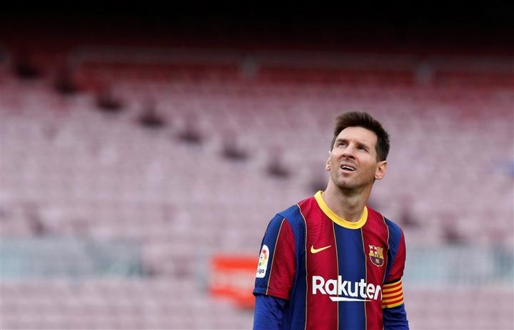 Trực tiếp: Messi khóc nức nở trong buổi họp báo chia tay Barca  - 10