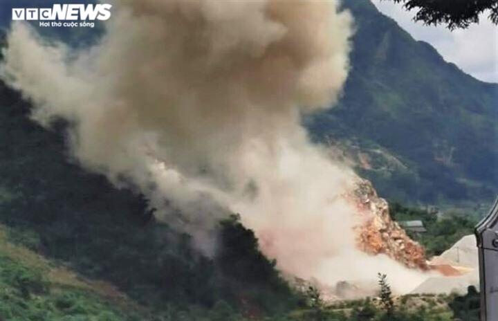 Nổ lớn ở Lai Châu: Tiêu huỷ 700kg thuốc nổ hết hạn, hỏng nhà dân ngoài ý muốn - 1