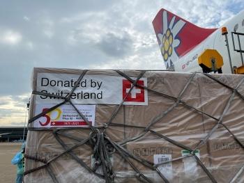Thụy Sĩ tặng Việt Nam 13 tấn trang thiết bị y tế