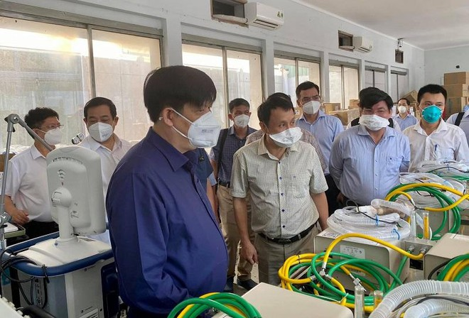 Bộ Y tế điều gấp 50.000 lọ thuốc giãn cơ tới TP HCM, nhiều cơ sở điều trị thiếu máy thở ảnh 1