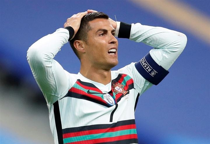 Ronaldo đại hạ giá chỉ còn 25 triệu Bảng - 1