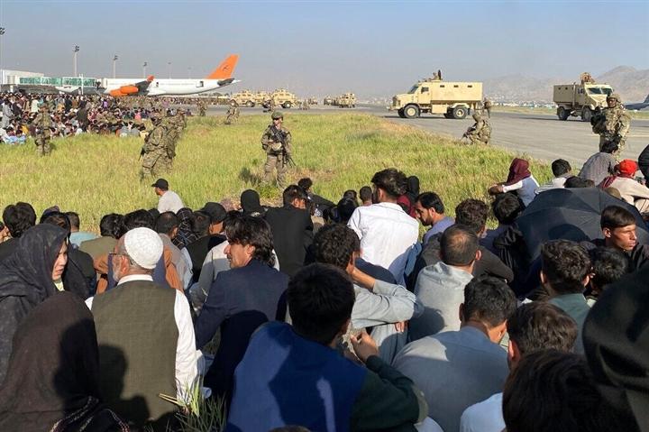 Kế hoạch rút lui không tưởng, Mỹ - Anh sẽ di tản 40.000 người rời Afghanistan - 3