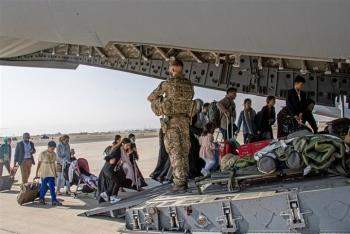 Kế hoạch rút lui không tưởng, Mỹ - Anh sẽ di tản 40.000 người rời Afghanistan