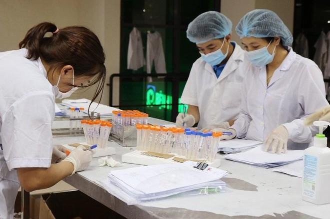 Trưa 19-8, Hà Nội thêm 25 ca Covid-19, một sinh viên ở ký túc xá Đại học Phương Đông ảnh 1