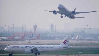 Mỹ đáp trả hạn chế vận tải hàng không của Trung Quốc