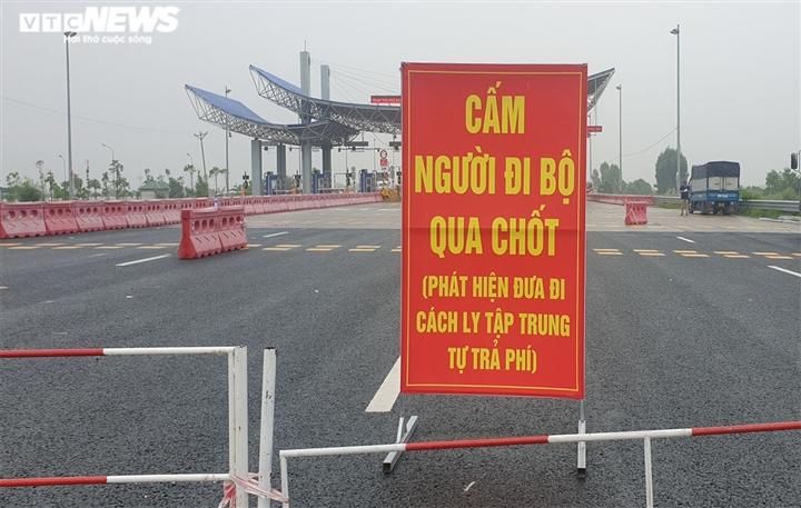Người vào Quảng Ninh phải tiêm đủ 2 mũi vaccine và xét nghiệm âm tính COVID-19 - 1