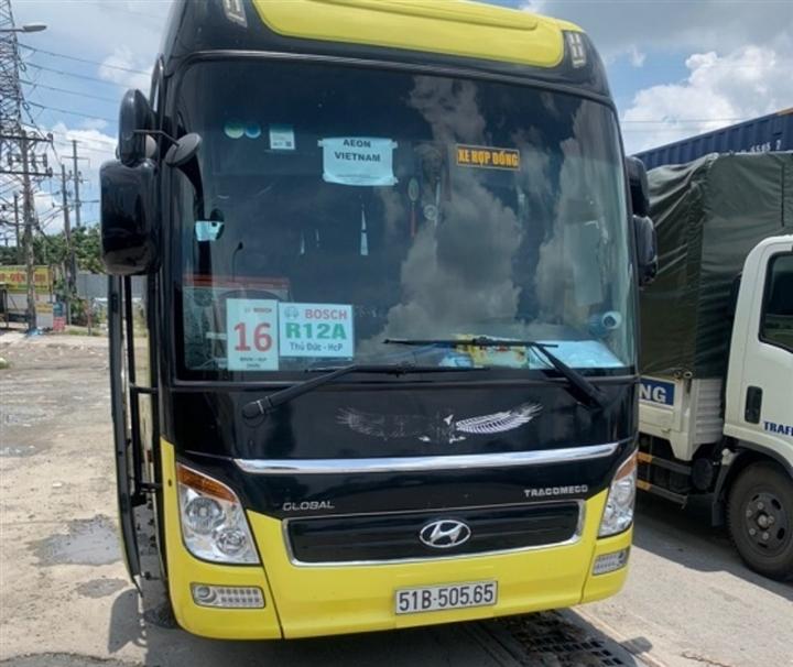 CSGT xử lý nhiều tài xế trái phép đưa người rời TP.HCM  - 2
