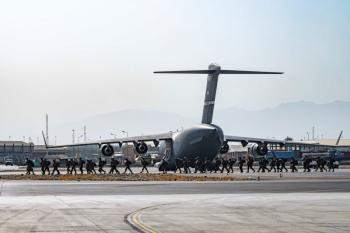 Mỹ đã sơ tán hơn 17.000 người khỏi Kabul