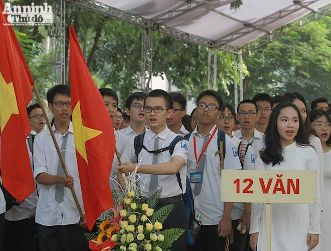 Học sinh Hà Nội học trực tuyến từ 6-9, đảm bảo có đủ sách giáo khoa trước khai giảng ảnh 1