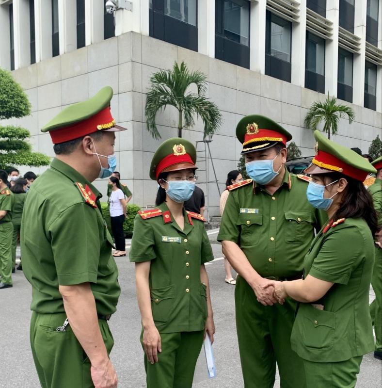 Xúc động những chiến sĩ lên đường vào TP Hồ Chí Minh phòng, chống dịch COVID-19 -0
