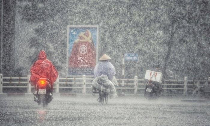 Thời tiết ngày 24/8: Bắc và Nam Bộ mưa dông, đề phòng lốc sét và mưa đá