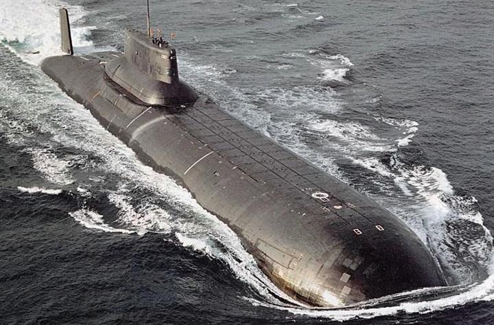 Ông Putin phát lệnh đóng 2 tàu ngầm hạt nhân và loạt chiến hạm mới
