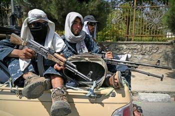 Tên lửa liên tiếp dội xuống Kabul khi Mỹ sắp kết thúc sơ tán