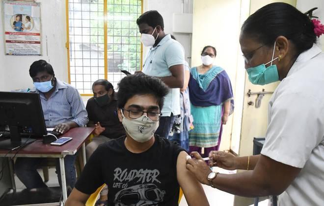 WHO kêu gọi ưu tiên tiêm vaccine phòng Covid-19 cho giáo viên