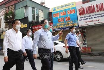 Thủ tướng kiểm tra đột xuất các điểm nóng dịch COVID-19 tại Hà Nội