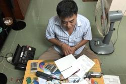 Cảnh sát đột kích đường dây đánh đề tiền tỷ ở Sài Gòn