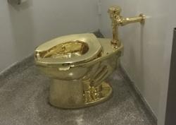Bồn cầu vàng trong cung điện Anh bị đánh cắp