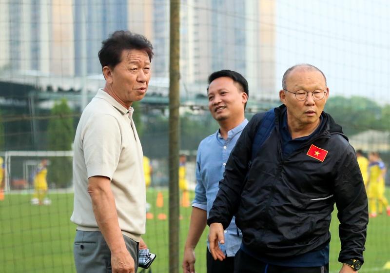 hlv chung hae seong toi thay ghen ti voi hlv park hang seo