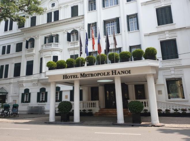 Khách sạn hạng sang Hà Nội ế ẩm chưa từng có, giảm giá thảm hại vẫn tối đèn