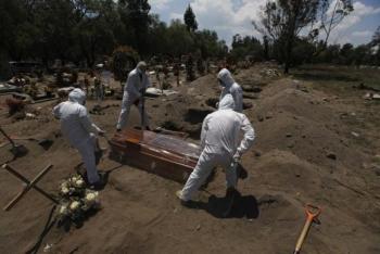 Mexico hết giấy chứng tử vì COVID-19, dân phải hoãn tang lễ