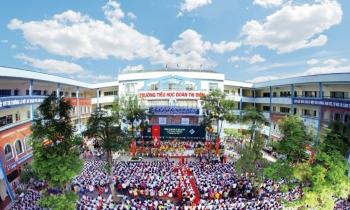 Trường tiểu học Đoàn Thị Điểm, Hà Nội bỏ quên học sinh lớp 3 trên xe đưa đón