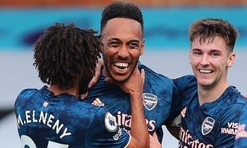 Arsenal thắng lớn ở Ngoại hạng Anh