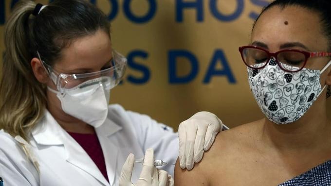 trung quoc no luc ket ban bang vaccine covid 19