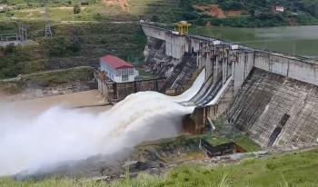 Gặp sự cố không phát được điện, Thủy điện Bắc Hà (Lào Cai) mở cửa xả lũ