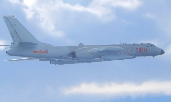 18 máy bay quân sự Trung Quốc áp sát Đài Loan