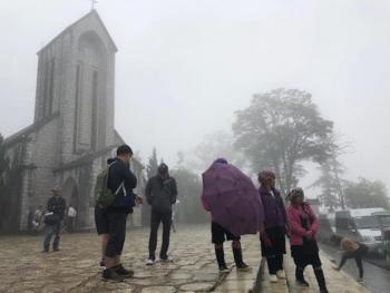Mùa thu rét kỷ lục hơn 60 năm ở Sa Pa: Nhiệt độ chỉ còn 10 độ C
