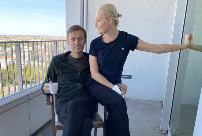 Navalny đòi lại quần áo từ Nga để xét nghiệm Novichok