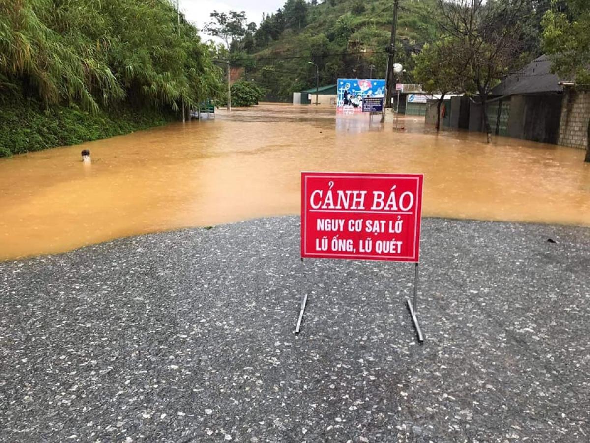 Mưa lớn gây ngập lụt tại Bắc Hà (ảnh FB)