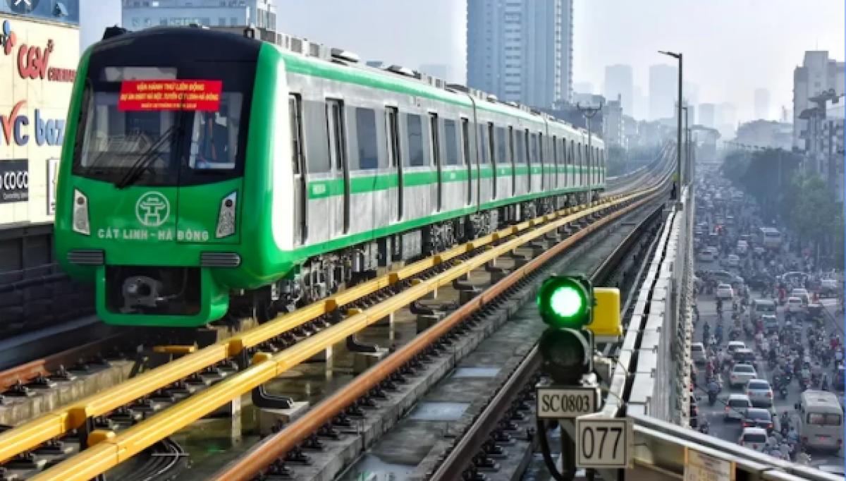 """Nhiều ý kiến lo ngại, liệu tuyến metro số 5 của Hà Nội có lặp lại """"kịch bản"""" đường sắt Cát Linh - Hà Đông?"""
