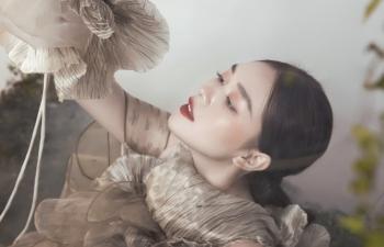 Á hậu Tường San đẹp ma mị trong bộ ảnh đón Trung thu