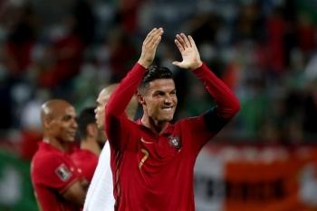 Ronaldo lập vô số kỷ lục, xứng danh chân sút vĩ đại nhất thế giới