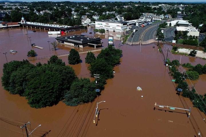 Mỹ: 45 người chết do lũ sau siêu bão Ida - 1