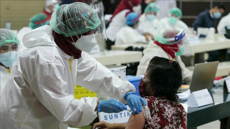 Quốc gia Đông Nam Á đầu tiên tiêm 100 triệu liều vaccine ngừa COVID-19