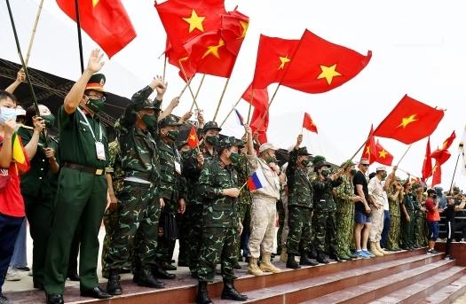 """Đội tuyển Việt Nam vô địch """"Xạ thủ bắn tỉa"""" Army Games 2021"""