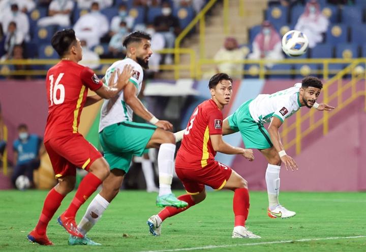 Vắng loạt trụ cột, tuyển Việt Nam đấu Australia bằng hàng thủ rách bươm - 2