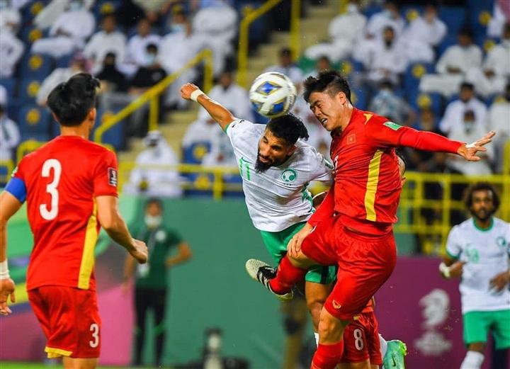 Vắng loạt trụ cột, tuyển Việt Nam đấu Australia bằng hàng thủ rách bươm