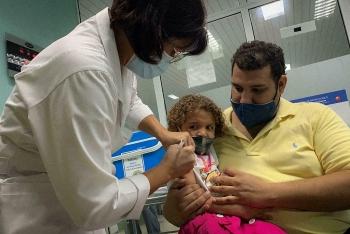 Quốc gia đầu tiên tiêm vaccine phòng COVID-19 cho trẻ em 2 tuổi