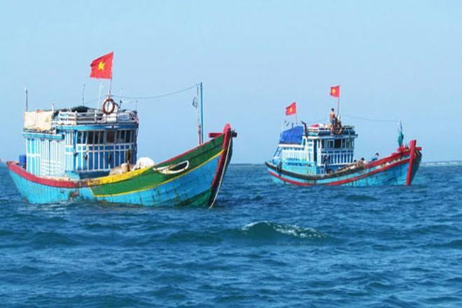 Chạy bão số 6, tàu cá bị tàu hàng đâm chìm, hai ngư dân mất tích ảnh 1