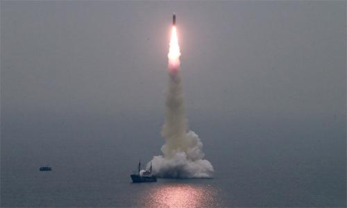 Triều Tiên xác nhận phóng tên lửa từ dưới biển