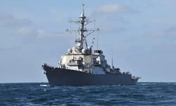 Tàu chiến Nga giám sát khu trục hạm Mỹ tại Biển Đen