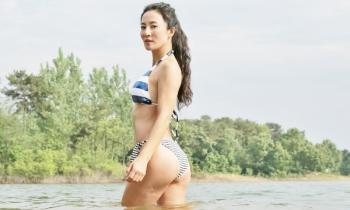 Bà mẹ 52 tuổi tiết lộ bí quyết giữ thân hình nóng bỏng